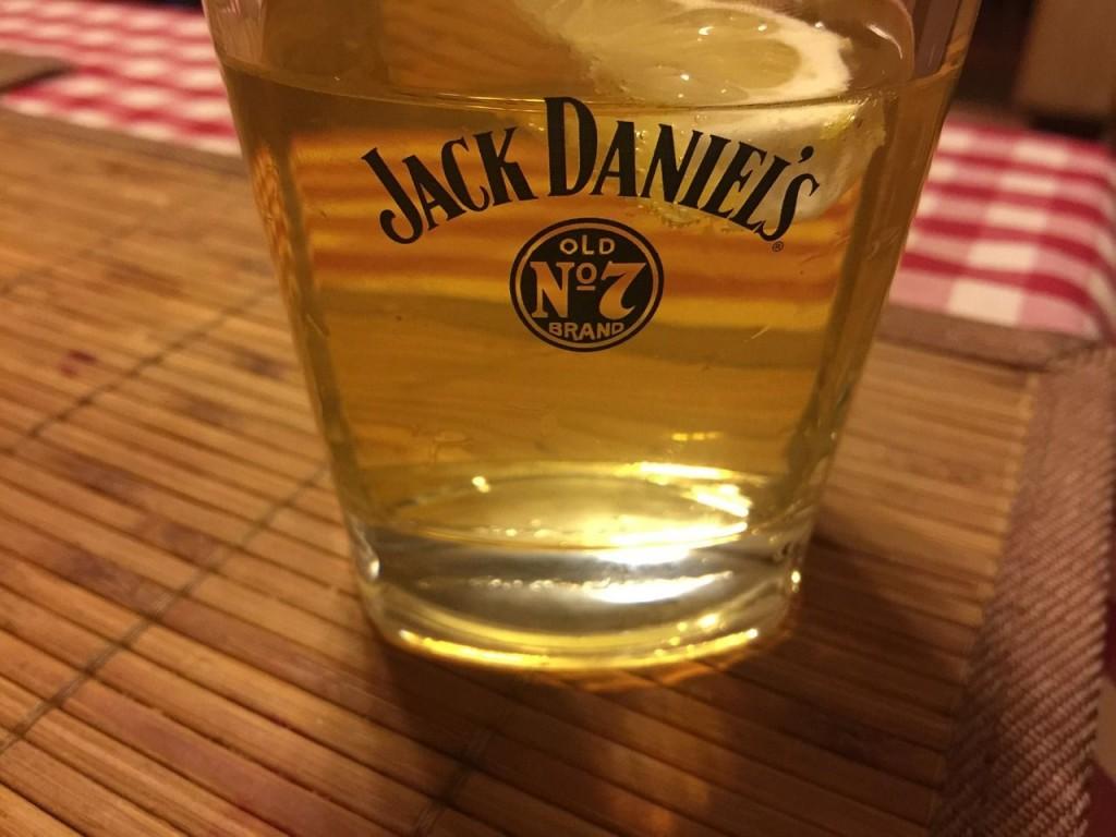 jack-daniels-551052_1280