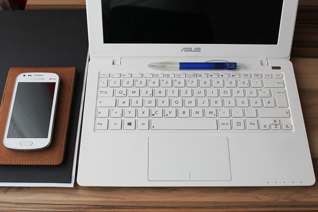 notebook-660566_1920
