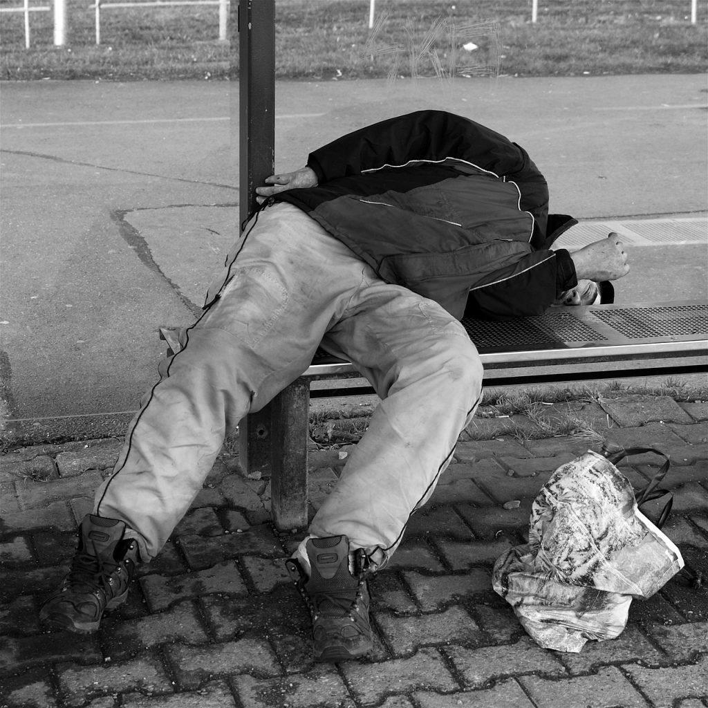 homeless-1204653_1280